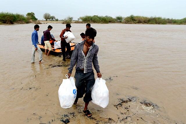 http://www.hindustantimes.com/Images/popup/2015/8/floodGujarat2.jpg