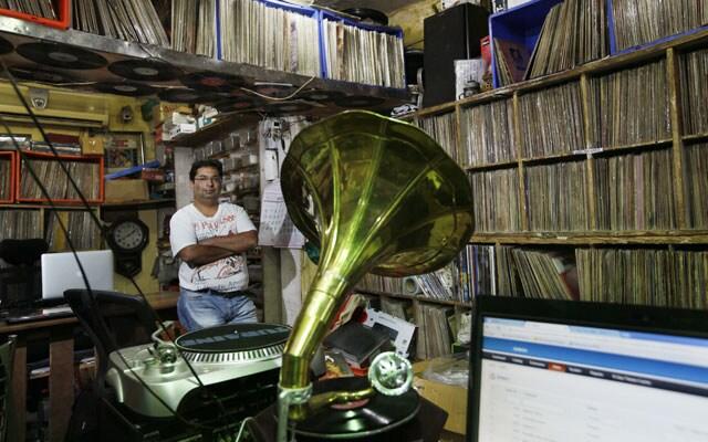 http://www.hindustantimes.com/Images/popup/2015/9/MN_Gramophone-.jpg