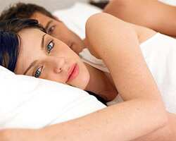 https://www.hindustantimes.com/images/HTEditImages/Images/couple_in_bed2.jpg