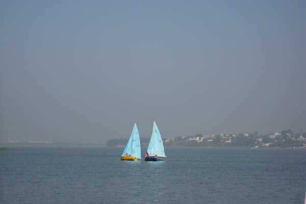 Tourists enjoy sailing at the Upper Lake, Photo by Lipi Mohapatra bhopal