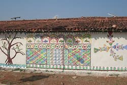 Colourful wall paintings in a Sarguja village. Photo:Ashwini Bhatnagar High art in simple Bastar